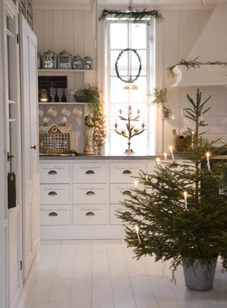 Rustik indretning stue spisestue jul raa bolig traaebord