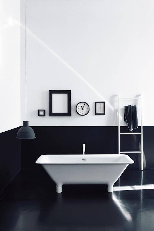 Sort/hvidt elegant badeværelse