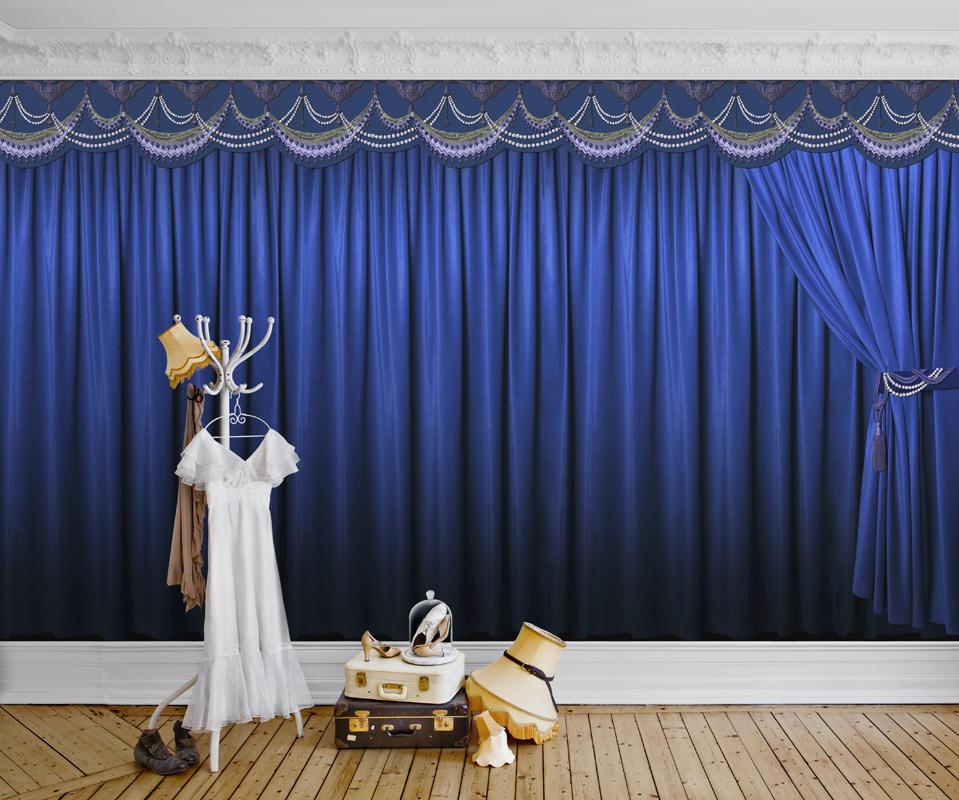 Tapet-fotostat-stof-indretning-boligindretning-wallpaper-teater-kulisse
