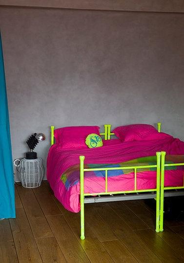 moebler-paint-mal-neon-gul-seng-sovevaerelse-indretning-bolit-interior