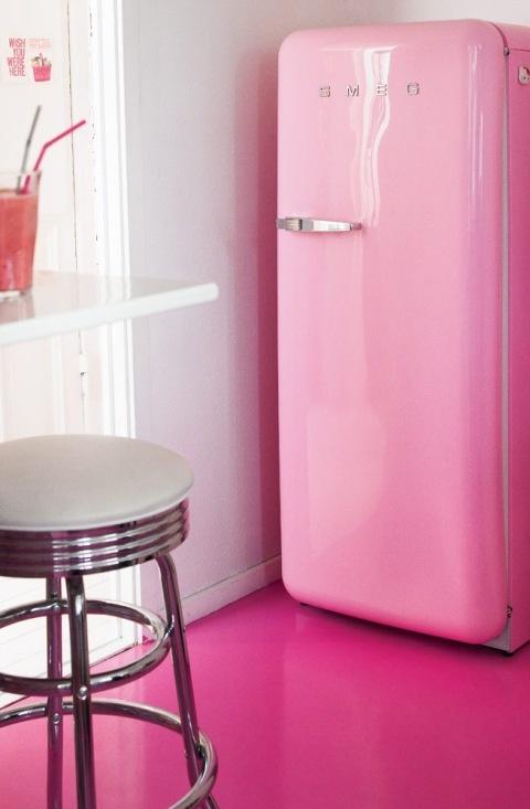 pink-gulv-maling-malet-indretning-boligindretning
