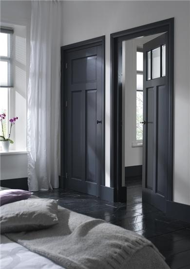 doere-doer-sovevearelse-fyldningsdoer-sort-black-indretning-boligindretning