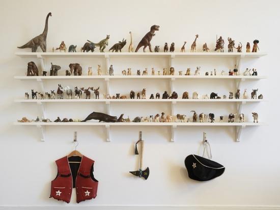 Prøv lige at tjekke en drøm af en væg. Billig og dekorativ løsning.Kilde: http://hello-tiger.blogspot.co.uk/