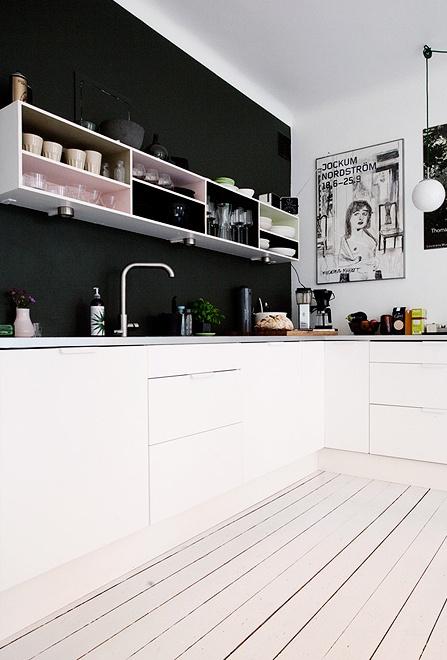 Koekken-sort-indretning-bolig-boligindretning