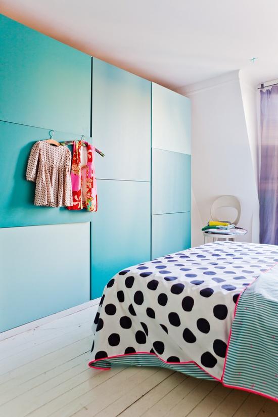 bedroom-indretning-sovevarelse-bolig-seng-skabe