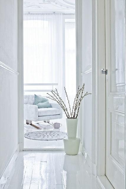 hvidt-hvid-indretning-interior-stue-gulve