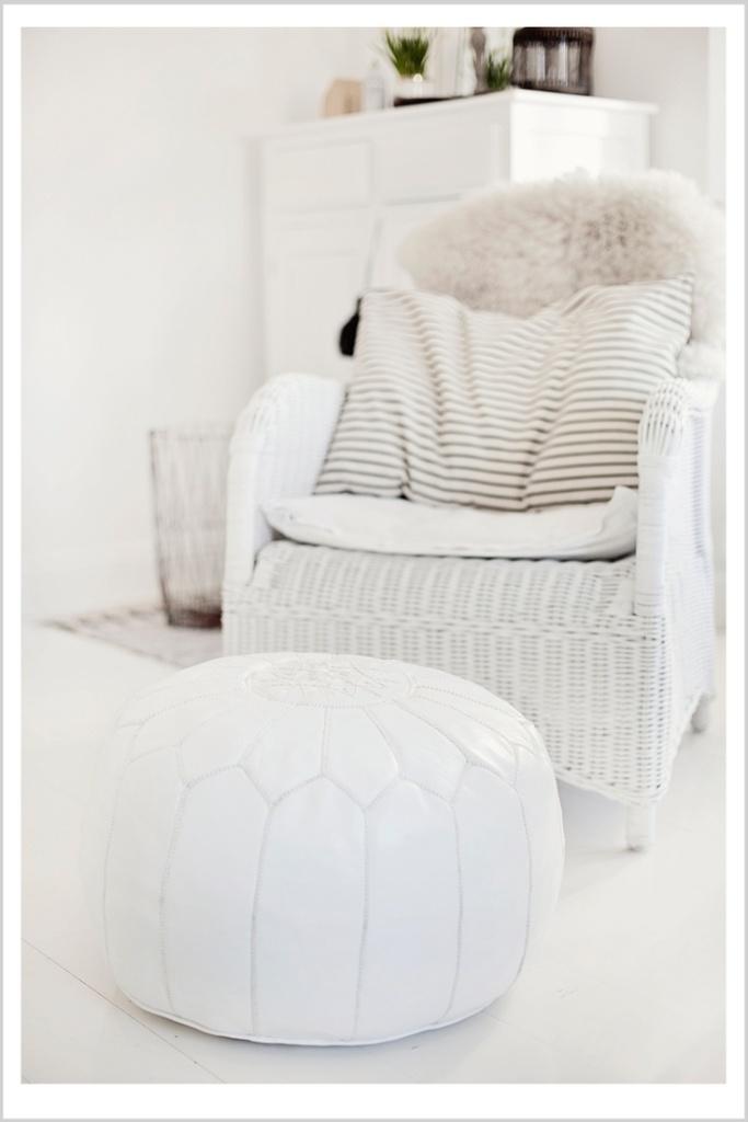 hvidt-hvid-indretning-interior-stue-puf