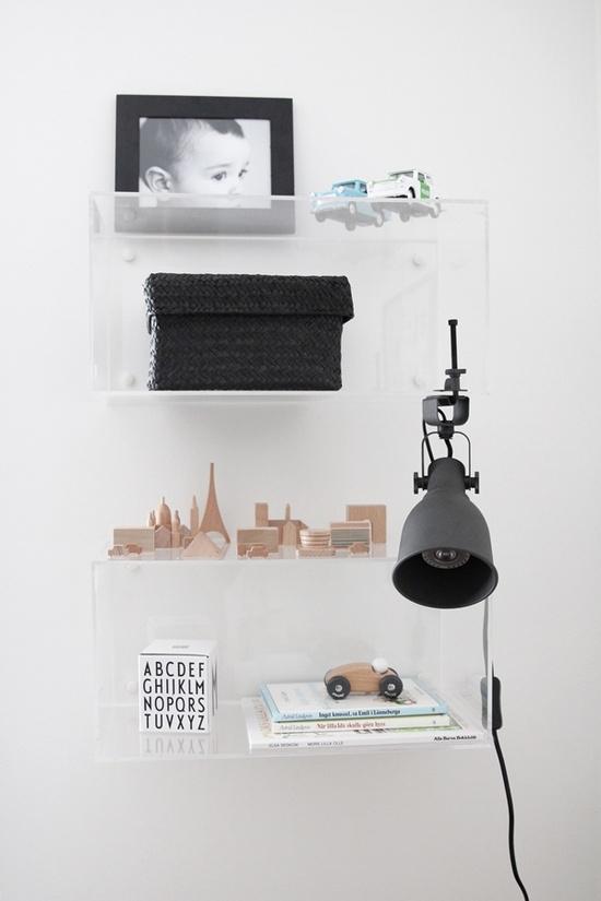 stilleben-indretning-hay-saettekasse-akryl