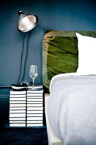 detalje-sengebord-indretning-sovevaerelse-natbord
