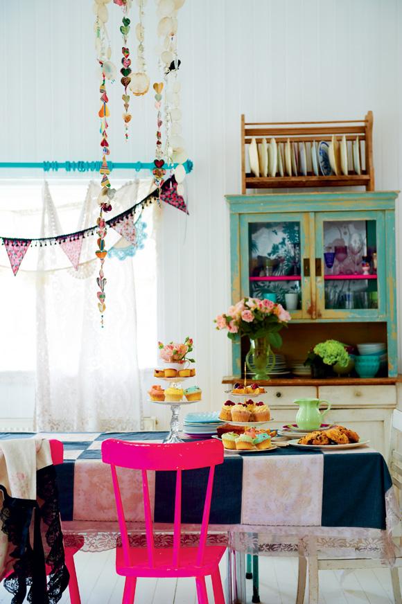 farverig-bolig-indretning-boligindretning-farver-neon-pink-interior