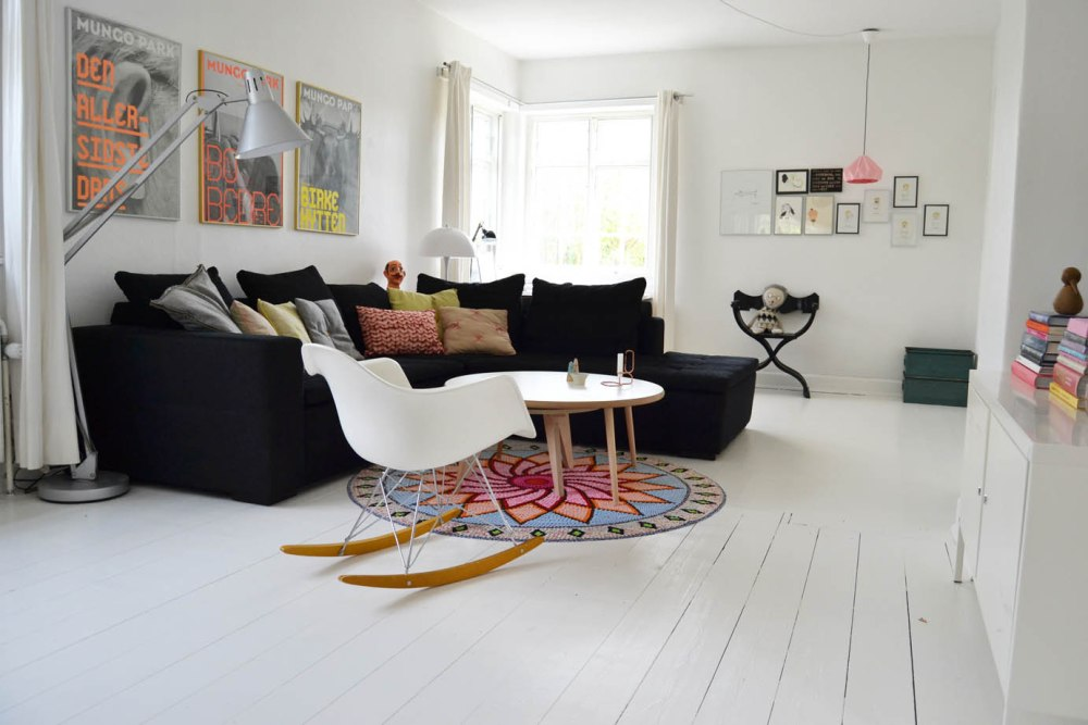 boligcious-indretning-stue-hvide-gulve