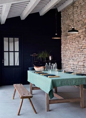 indretning-sort-vaeg-bolig-stue
