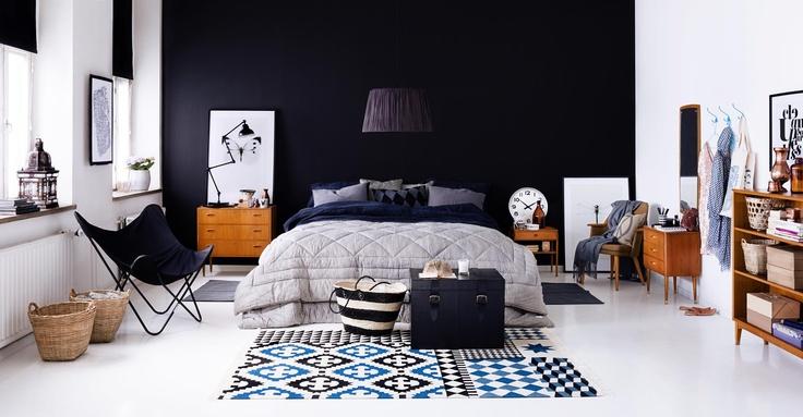 indretning-sovevaerelse-sort-vaeg