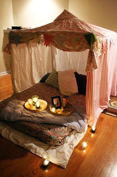 telt-indendoers-tent-leg-boernevaerelse-sleepover