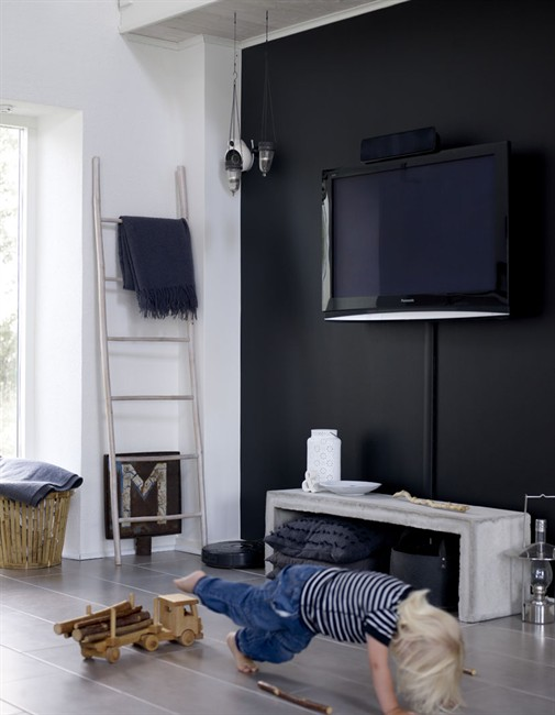 livingroom-indretning-sort-vaeg-maling-stue