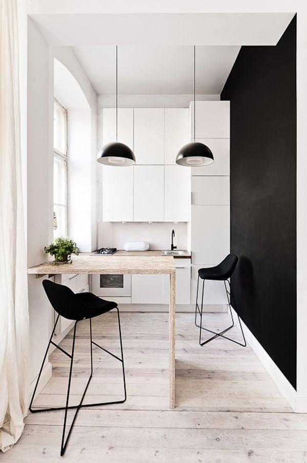 sort-moerk-vaeg-indretning-bolig