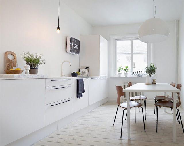 stringent-indretning-bolig-koekken-indretning