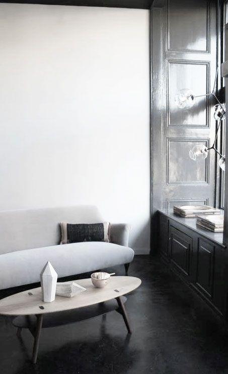 graa-vaeg-stue-indretning