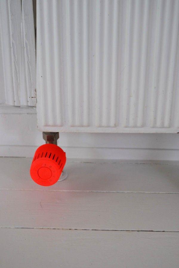 indretning-bolig-maling-radiator-neon
