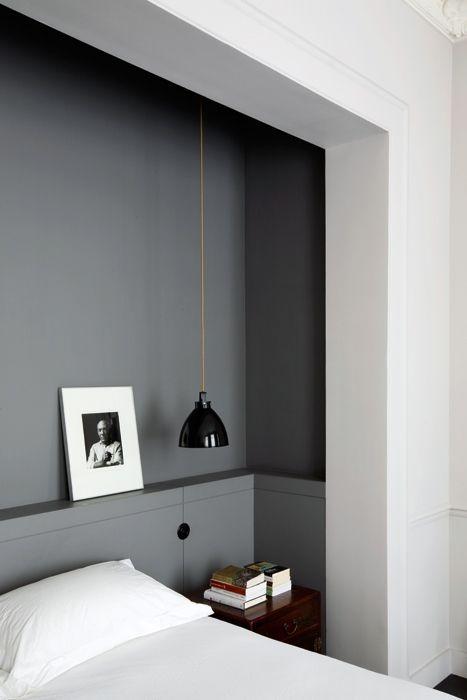graa-vaegge-sovevaerelse-indretning
