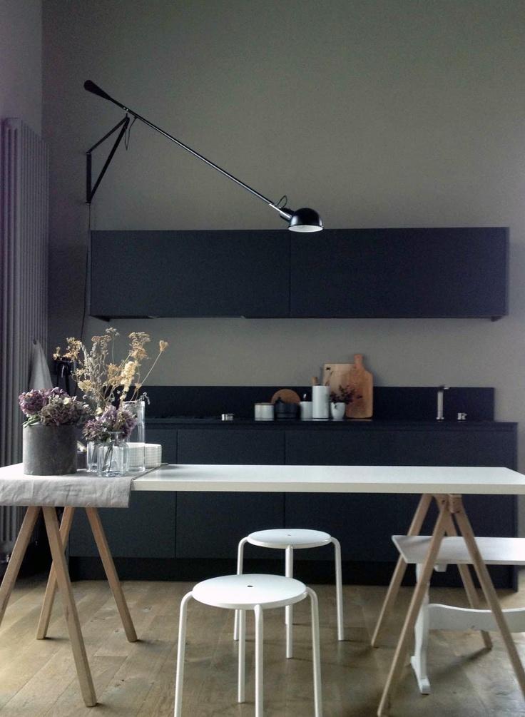 grå-vægge-indretning