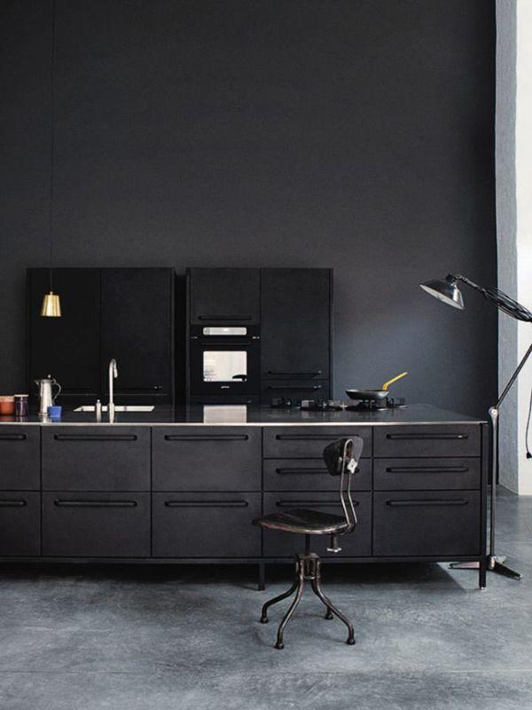 koekken-sort-indretning
