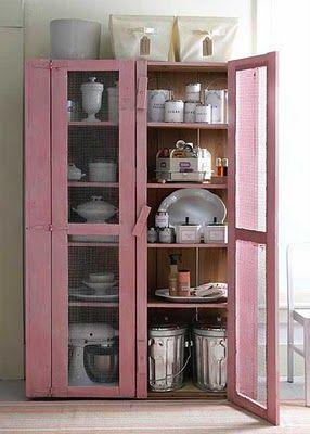vitrine-madkammer-fadebur-pink-maling-indretning