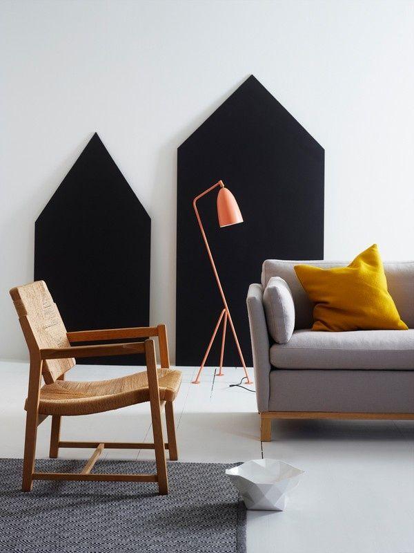 sorte huse på væg