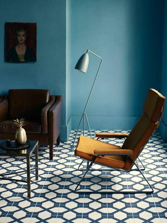 blaa-vaeg-blaavaegge-maling-indretning-bolig-living-blue-wall
