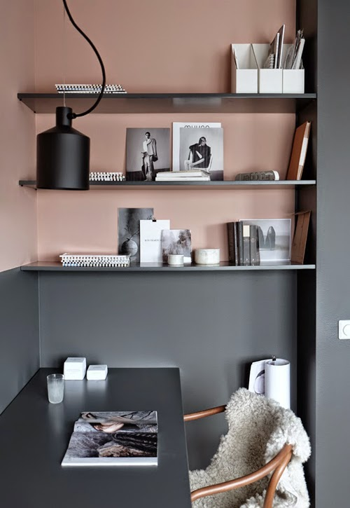 STIL_INSPIRATION_built_in_shelfes_dark_grey_interior_1