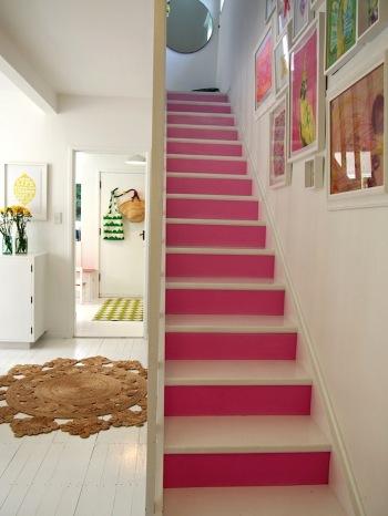 Tea_Pea_Pink_Stairs